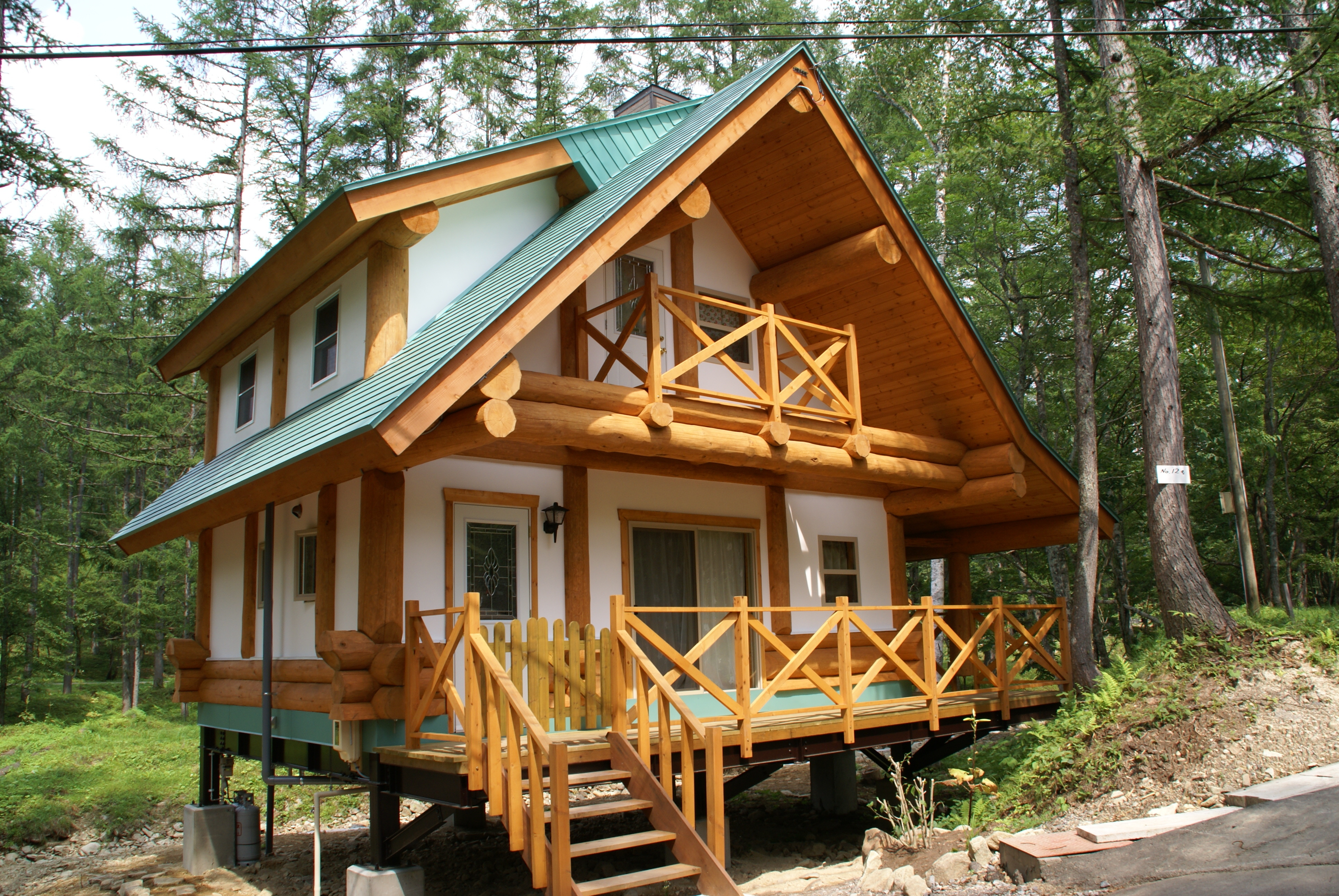 Hybrid designs canada 39 s log people for Log home designs canada